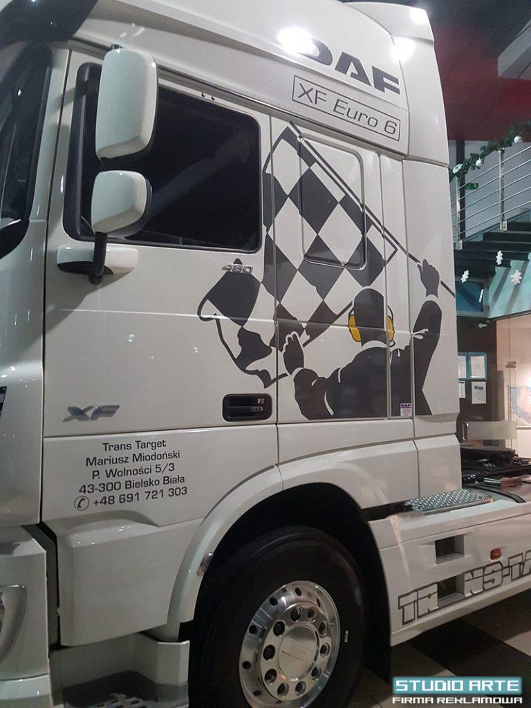 Naklejki na ciężarówki