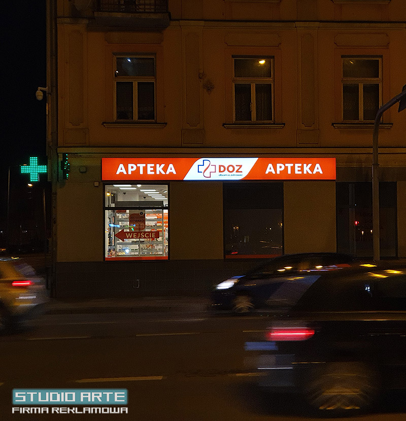 Reklamy LED dla firm. Kasetony i plafony reklamowe.