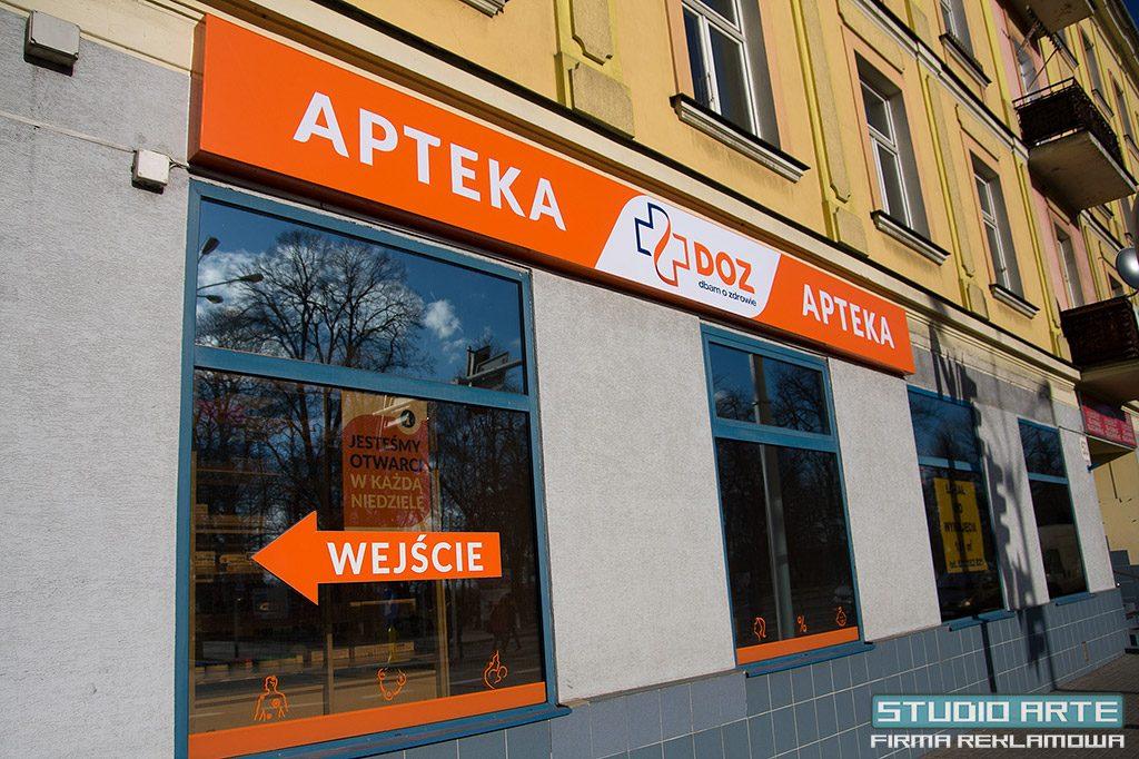 Reklama świetlna LED, montaż w Tarnowie ul. Krakowska. Producent reklam.