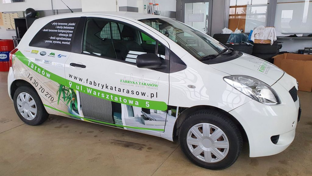 oklejanie samochodów dla fabryka tarasów