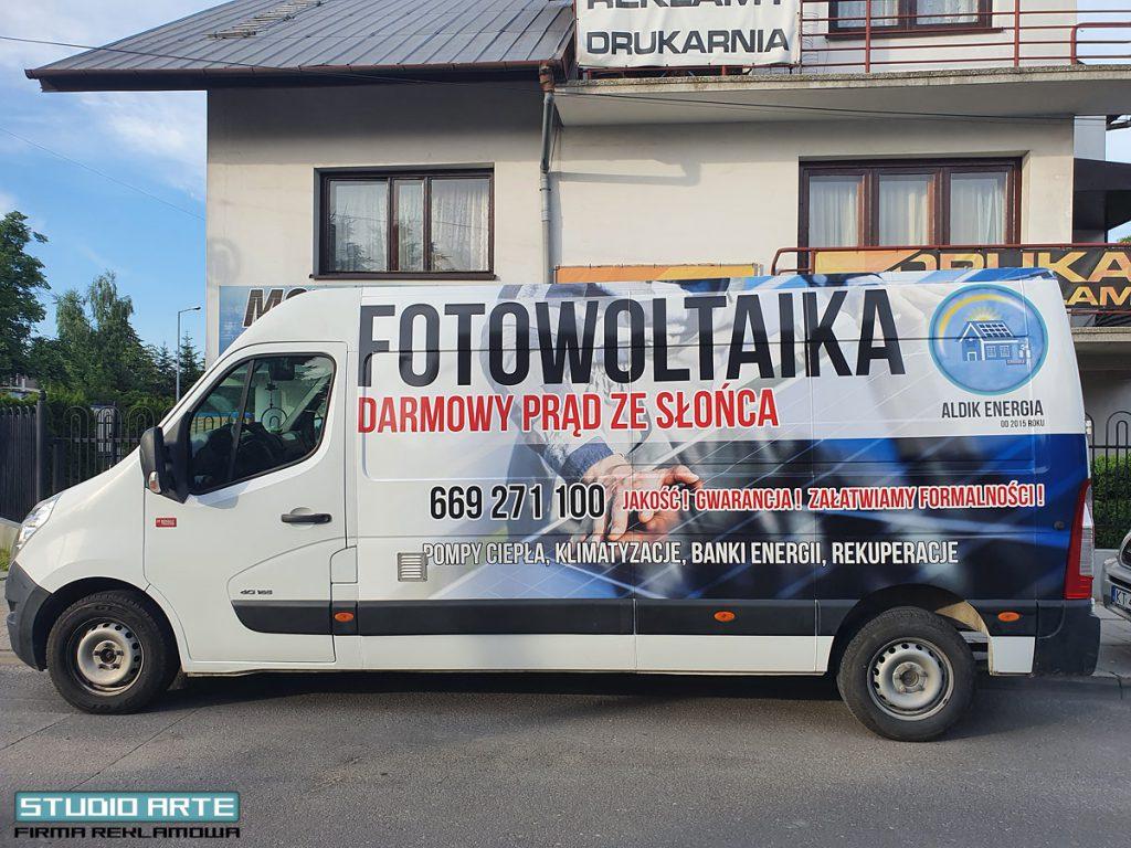 Reklama na busa okleina