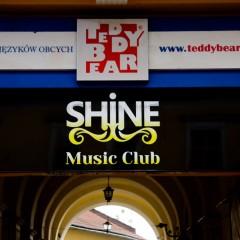 Oznakowanie Shine Music Club